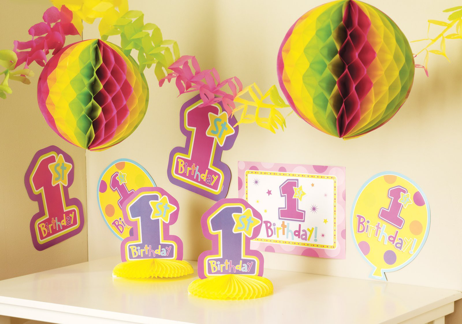 First Birthday Party Supplies – What You Need to Have a Really Great Party